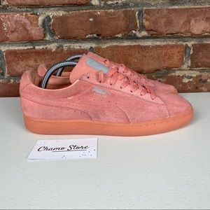 Puma Pink classic Suede Woman's Sz 9.5